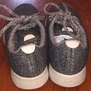 allbirds Shoes - Women's Allbird wool runner sneakers (size 7)